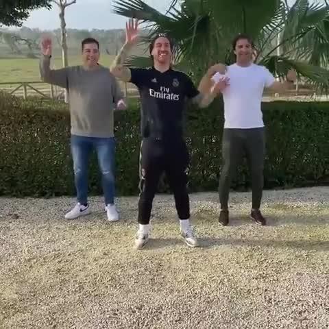 Maletero Y Tubo De Escape El Divertido Baile De Sergio Ramos Que Se Volvió Viral En Cancha
