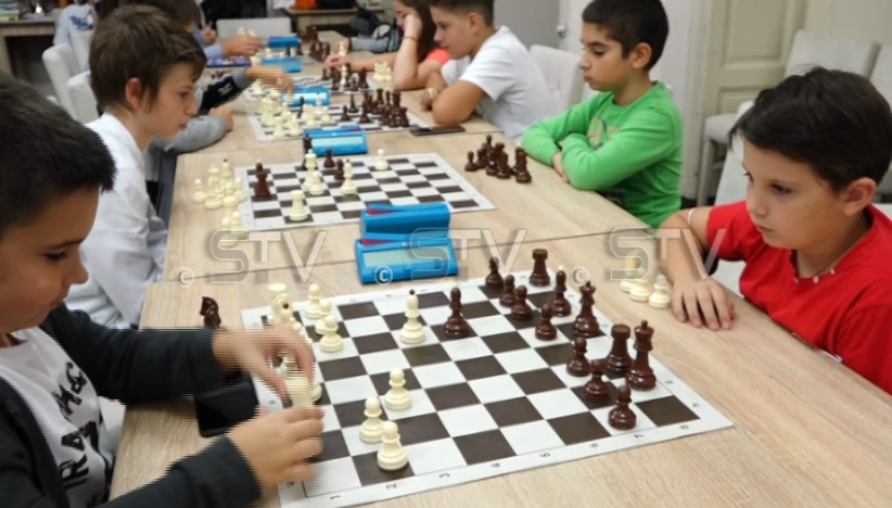 """Škola šaha za najmlađe u šahovskom klub """"Sirmium"""" iz Sremske Mitrovice"""